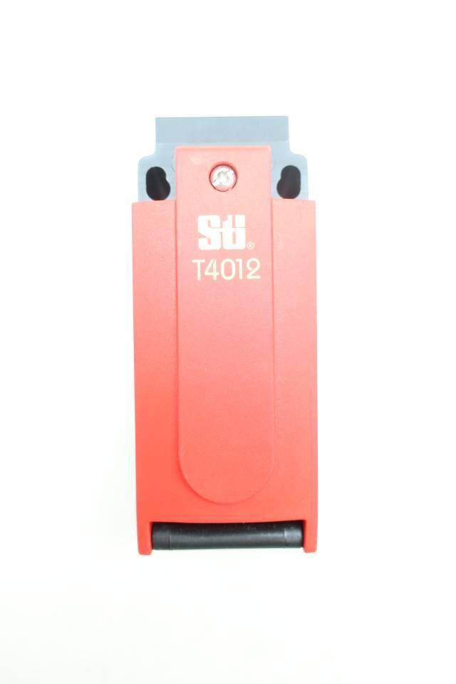 STI T4012-020 44538-2020 SAFETY SWITCH 24V-DC