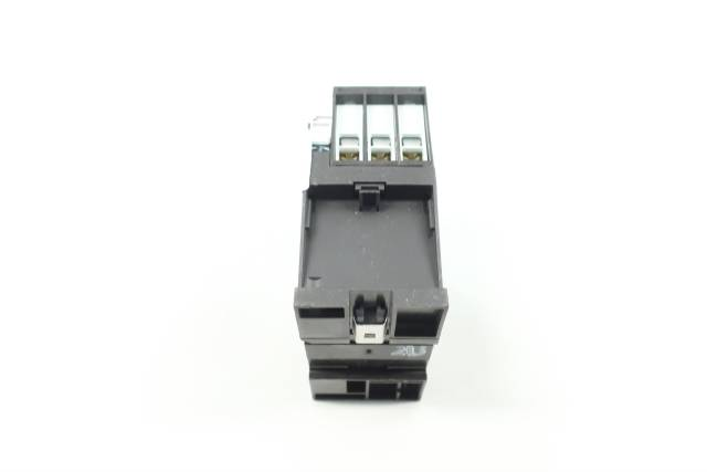 EATON DIL M32-10 XTCE032C10 AC CONTACTOR 120V-AC 40A 20HP