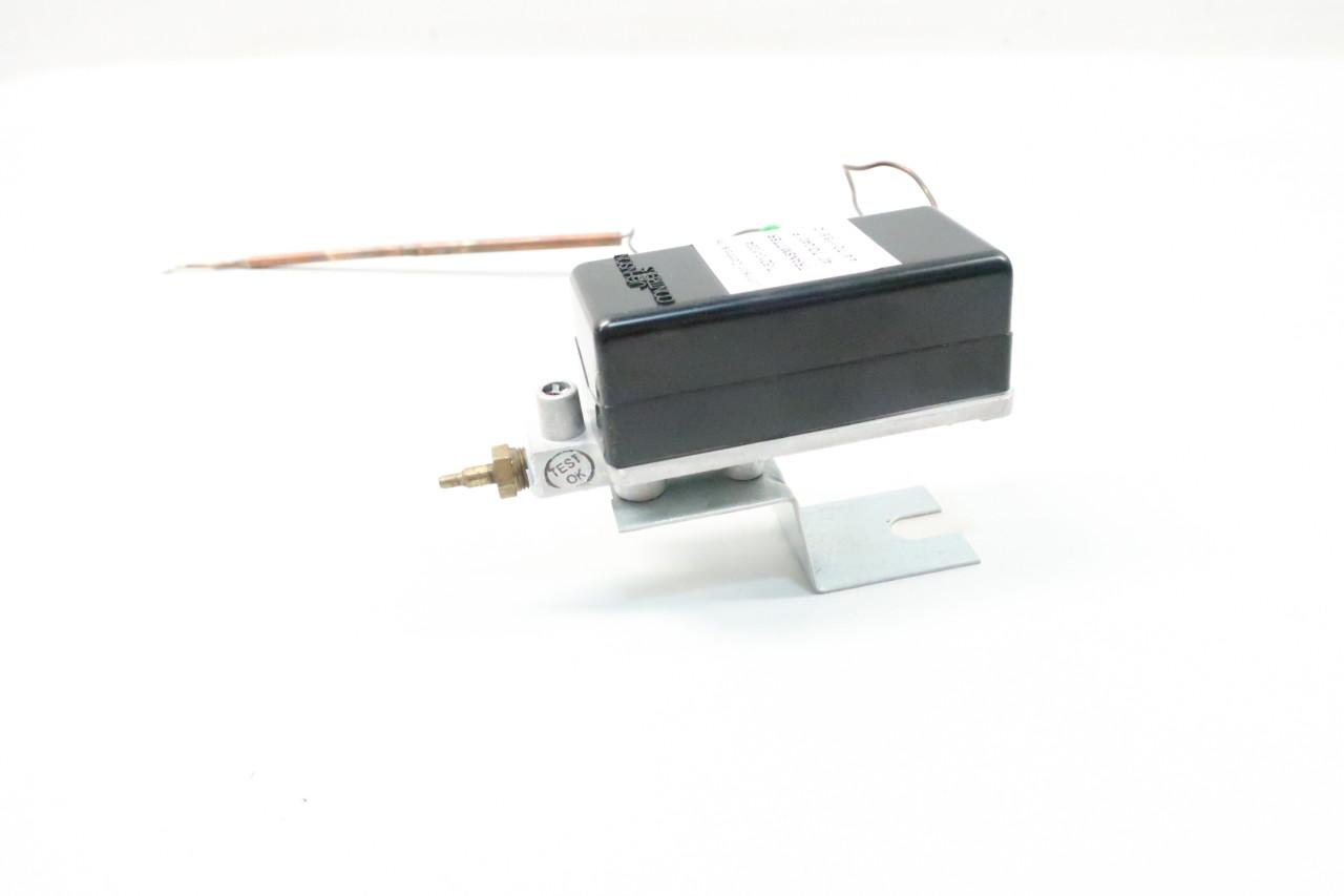 JOHNSON CONTROLS T-5210-1004 Temperature Transmitter 40-240F D615681