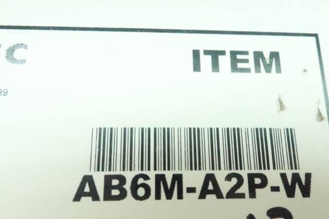 BOX OF 13 IDEC AB6M-A2P-W WHITE PUSHBUTTON 250V-AC
