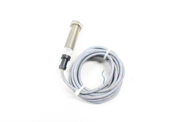 CUTLER HAMMER E57MCL18T111 INDUCTIVE PROXIMITY SENSOR SER A1 10-30V-DC