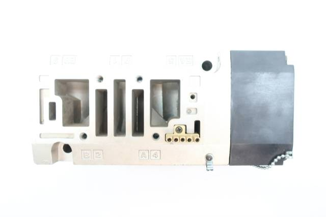 smc-spf0481-06-d-plug-in-sub-plate-34in-pneumatic-valve-manifold