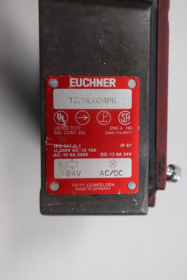 EUCHNER TZ2RE024PG SAFETY SWITCH 24V-AC/DC