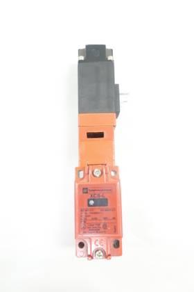 TELEMECANIQUE XCS-L SAFETY 110-240V-AC LIMIT SWITCH