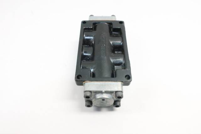 AAA PRODUCTS R02 PNEUMATIC PILOT VALVE 250PSI 1/4IN NPT D622865