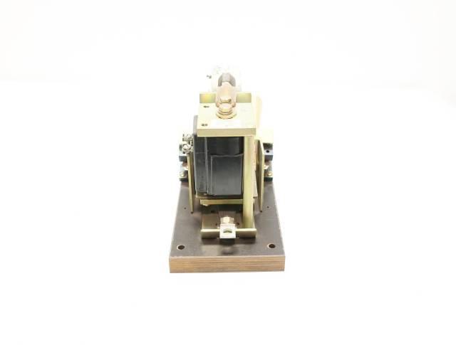 GENERAL ELECTRIC GE IC2800Y101B3L 115-120V-DC 600V-DC 150A AMP DC CONTACTOR