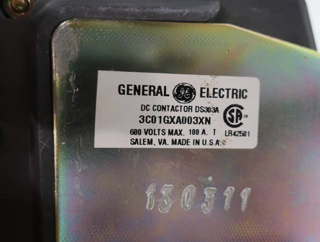 GENERAL ELECTRIC GE 3C01GXA003XN DC CONTACTOR 2P DS303A 115-120V-DC 100A AMP