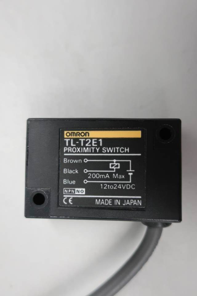 OMRON TL-T2E1 PROXIMITY SWITCH 12-24V-DC
