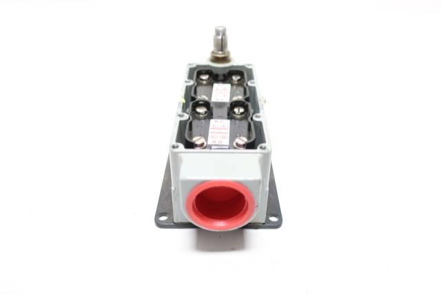 NAMCO EA700-50100 SNAP-LOCK LIMIT SWITCH 600V-AC