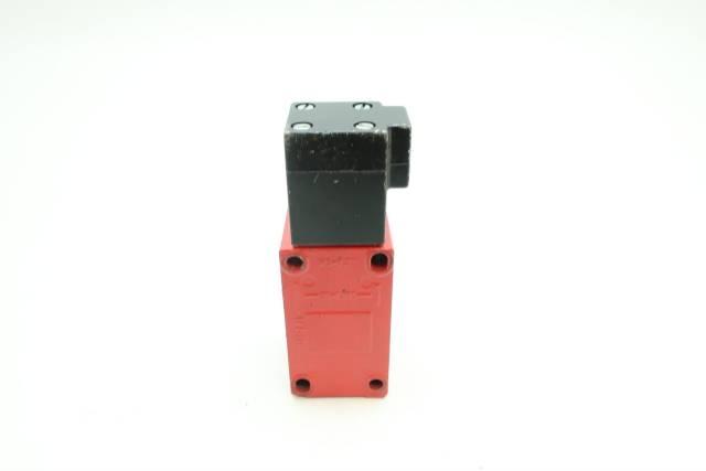 ALLEN BRADLEY 802F-E60M2 KEY INTERLOCK SWITCH 500V-AC