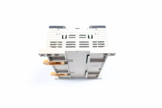 OMRON CPM1A-30CDR-D-V1 PROGRAMMABLE CONTROLLER MODULE