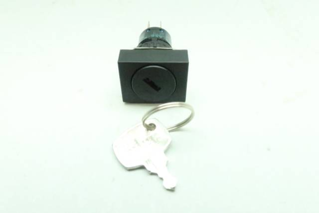 IDEC AS6-K 2 POS KEY OPERATED SELECTOR SWITCH 250V-AC 30V-DC