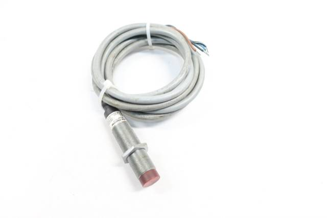 CUTLER HAMMER E57MCL18T110E INDUCTIVE PROXIMITY SENSOR 10-30V-DC