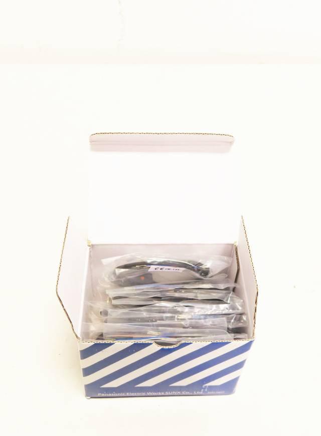 BOX OF 10 PANASONIC PM-T44 MICRO-PHOTO SENSORS 1M 5-24V-DC