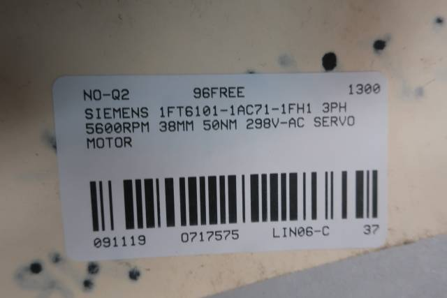 SIEMENS 1FT6101-1AC71-1FH1 SERVO MOTOR 3PH 5600RPM 38MM 50NM 298V-AC