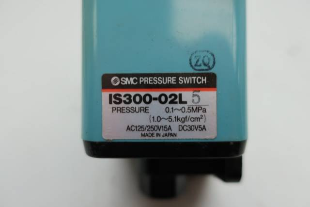 SMC IS300-02L5 PRESSURE SWITCH 0.1-0.5MPA