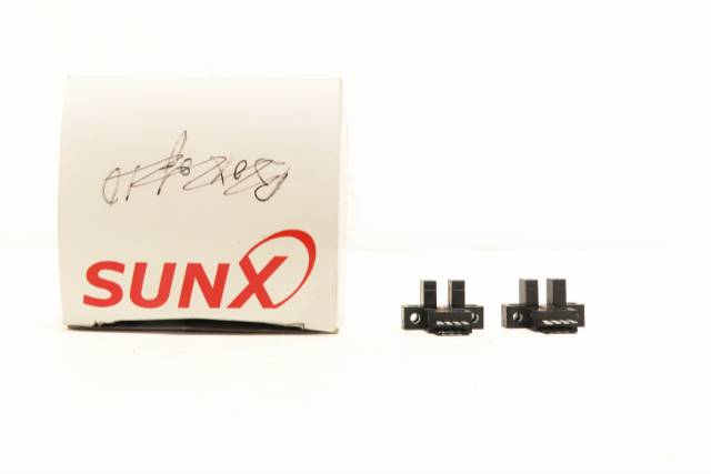 BOX OF 2 SUNX PM-L54P PHOTOELECTRIC MICRO SENSOR 5-24V-DC