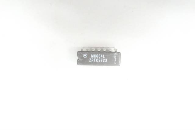 PACK OF 16 MOTOROLA MC664L INTEGRATED CIRCUIT