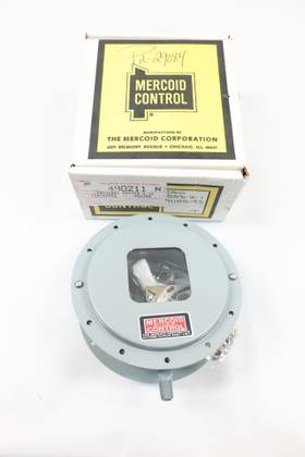 MERCOID DAW-533-2 1/4IN 1/8-15PSI 120/240V-AC 120/240V-DC PRESSURE SWITCH