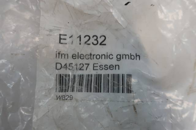IFM EFECTOR E11232 RIGHT ANGLE 8 PIN FEMALE CONNECTOR CABLE