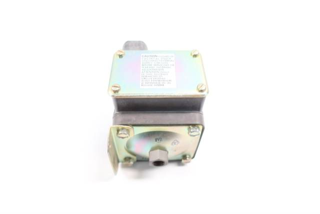BARKSDALE D1T-A150SS-CS PRESSURE SWITCH 1/4IN 1.5-150PSI 125/250/300V-AC